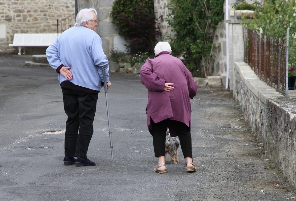 In jungen Jahren bedenken wir die Folgen unseres Lebensstil meist nicht. Erst im Alter wird die Rechnung dafür präsentiert. Gerade im Pensionsalter ist Gesundheit besonders wichtig. Dann hat man nämlich auch noch Zeit dazu. Gesunder Lebensstil lohnt sich von Beginn weg.