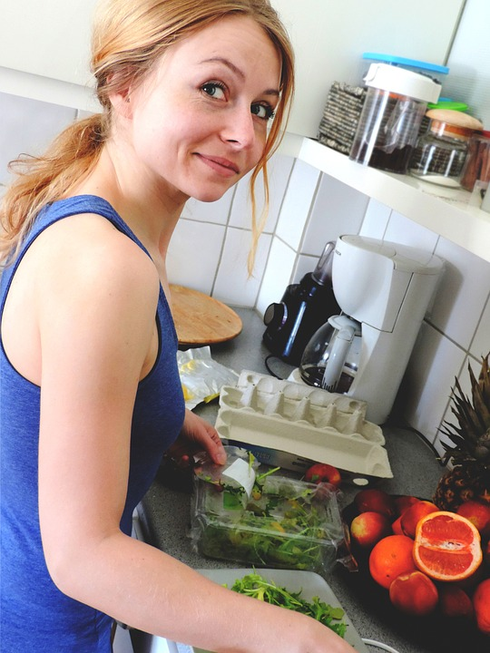 Unglaublich, was eine Mutter für ihre Familie in der Küche leistet ! Sie übernimmt damit Verantwortung für die Ernährung und Gesundheit der ganzen Familie.