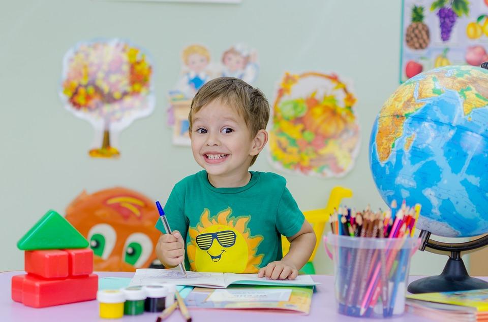 Es gibt viele Faktoren, die bei der kindlichen Lernmotivation in der Schule eine wichtige Rolle spielen. Klar, die Eltern haben vieles in der Hand, vor allem auch der Vater. Trotzdem gilt auch hier: Wenn ein Kind den Liebestank gefüllt hat, dann gehts vorwärts...