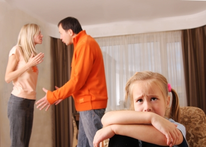 ....  Gerade in der Familie ist ein gesund entwickelter Frontallappen wichtig, da er hilft, weise zu denken, zu reden und zu handeln.  ..  A healthy and well-developed frontal lobe is especially important in the family setting. It is the key to wise thought, speech and behavior.  ....