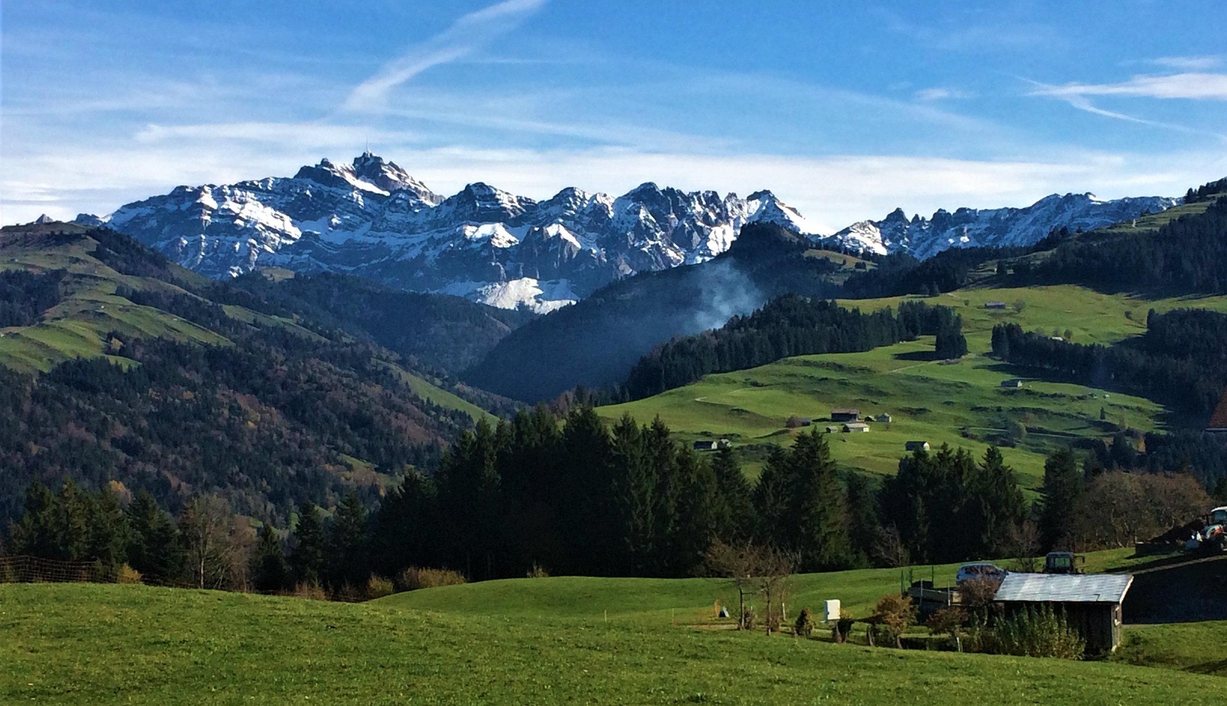 ....    Hier unsere Sonnmatt-nahe Bergspitze, der Säntis. Es ist einfach immer eine Augenweide, diese Pracht und Schöpferkraft zu geniessen. Einmalig. Und die Aussicht vom Gipfel ist noch grossartiger. Man kann bei optimaler Sicht 6 Länder erkennen.    ..     This is the biggest mountain near us, Säntis. It is always an awe-inspiring view, to see its beauty and imagine the power that put it there. Amazing! The view from the top is even better! With optimal visibility you can see 6 countries.      ....
