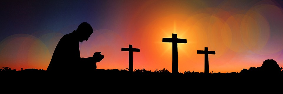 ....    Die Begegnung mit Jesus am Kreuz ist immer von besonderer Ausstrahlung. Wie ist es möglich, dass der Gottes Sohn sich soweit hinunter bewegen lässt, um durch Schmerzen und Spott seinen Geschöpfen eine Chance zu geben, dank IHM ein Leben nach dem Leben zu erhalten. Das ist eine ganz neue Stufe der Liebe.     ..    When we see Jesus on the cross, we are amazed by His matchless love! How is it possible that God's own Son lowered Himself to endure pain and ridicule, inflicted by the people He had made, the very ones He had come to save! By His great sacrifice, He made it possible for them (and us) to live forever! That is a completely different level of LOVE!    ....