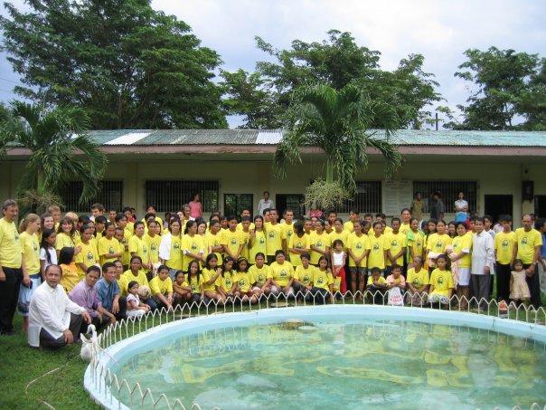 ....   So viele Menschen liessen sich nach diesen zwei Wochen taufen.   ..   Seventy-six baptisms at the end of our two-week campaign   ....