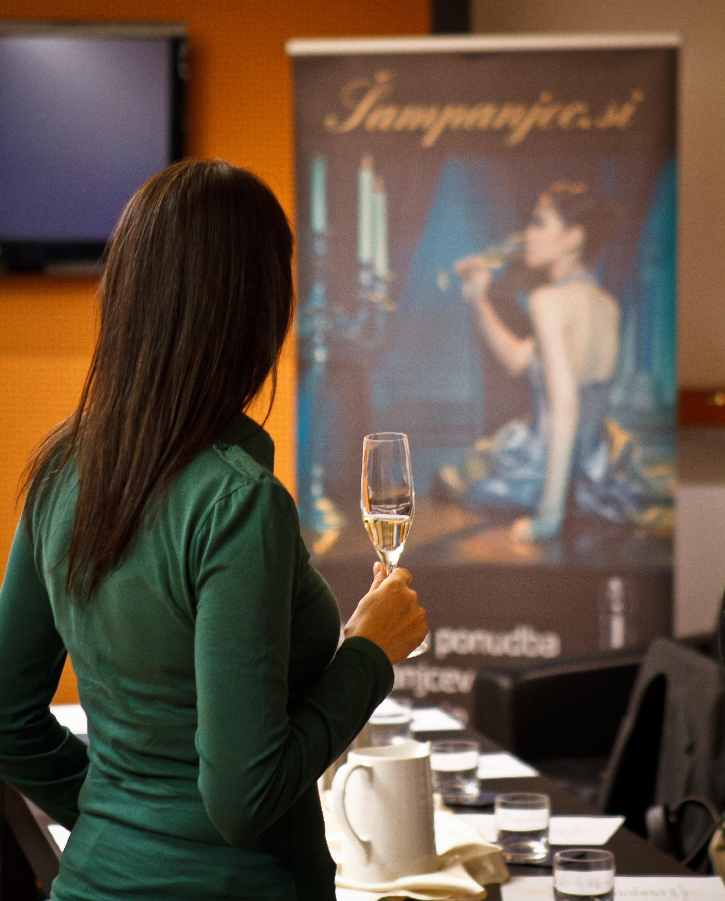 Hedonia_delavnica šampanjca-2.jpg