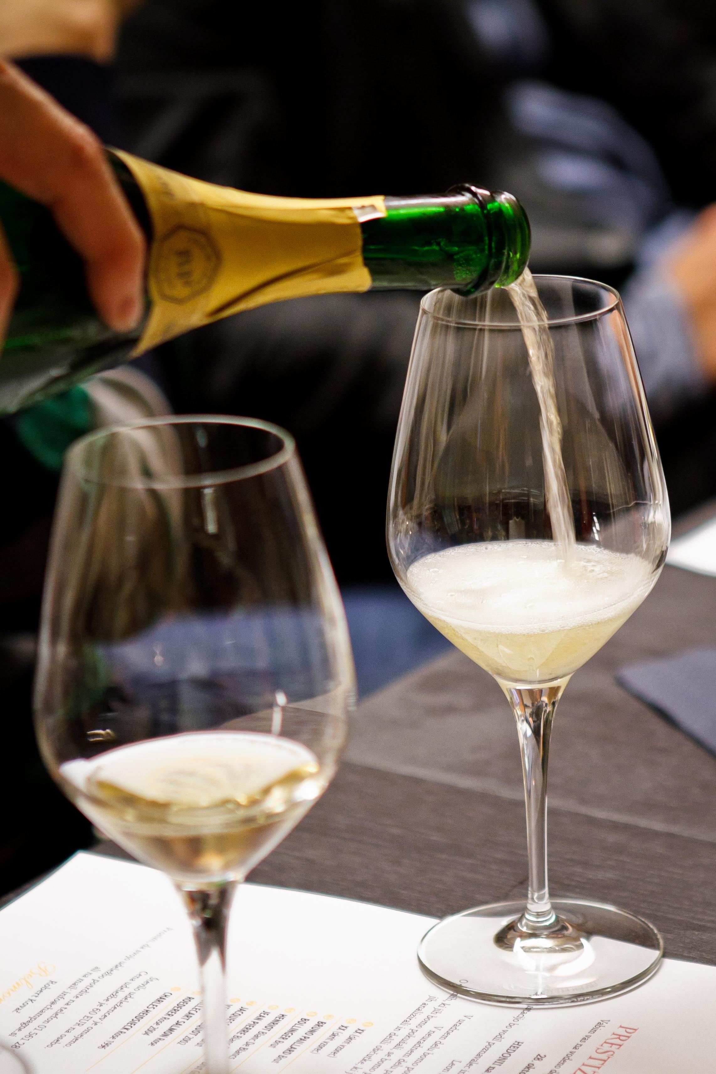 Hedonia_delavnica šampanjca-19.jpg