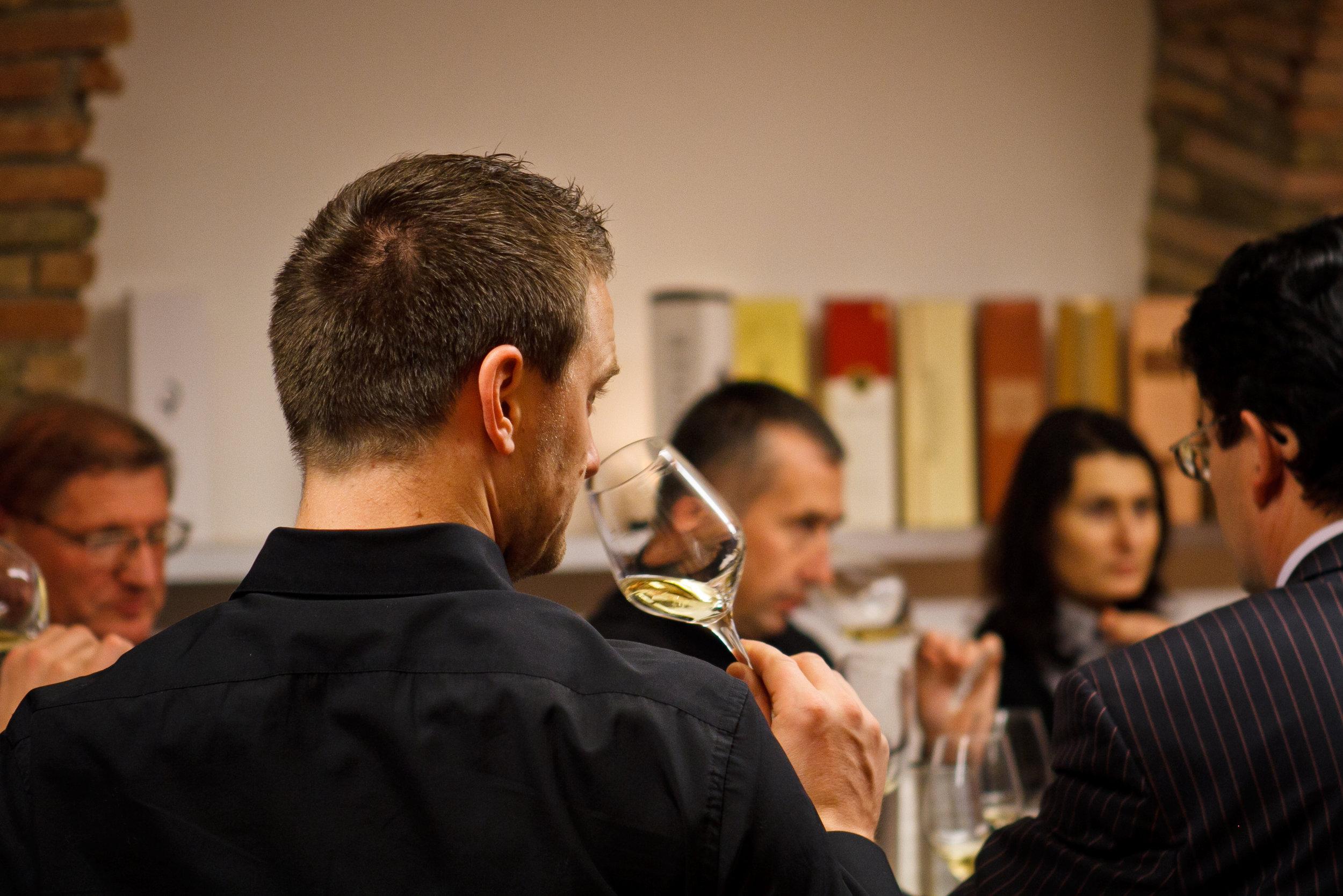 Hedonia_delavnica šampanjca-21.jpg