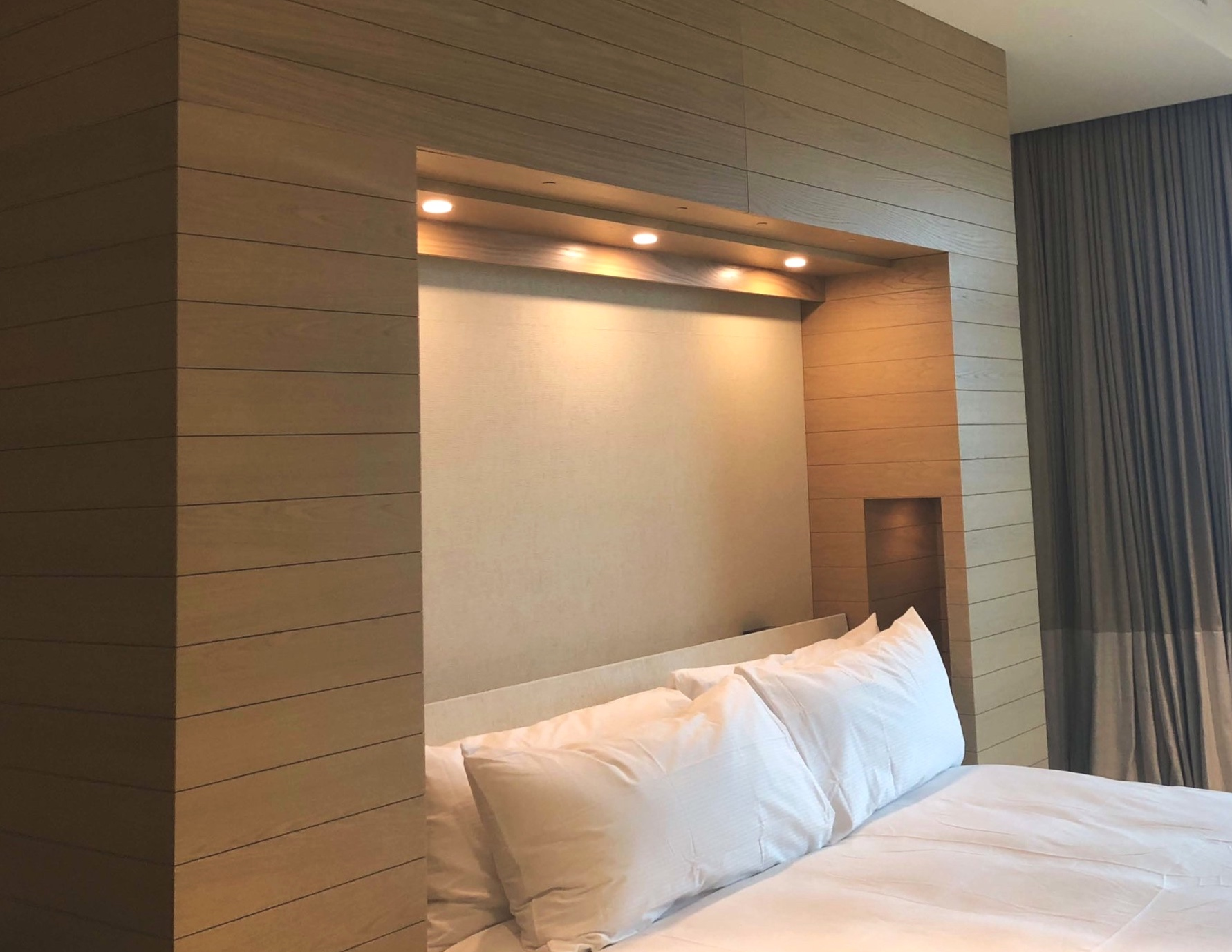 Guest Friendly Experience:  Built-in LED lights and USB/power outlets and additional space creates openness in room for guest relaxation