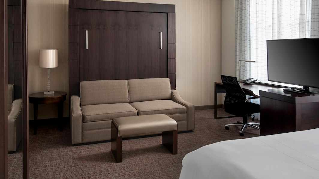 chirl-suite-7869-hor-wide.jpg