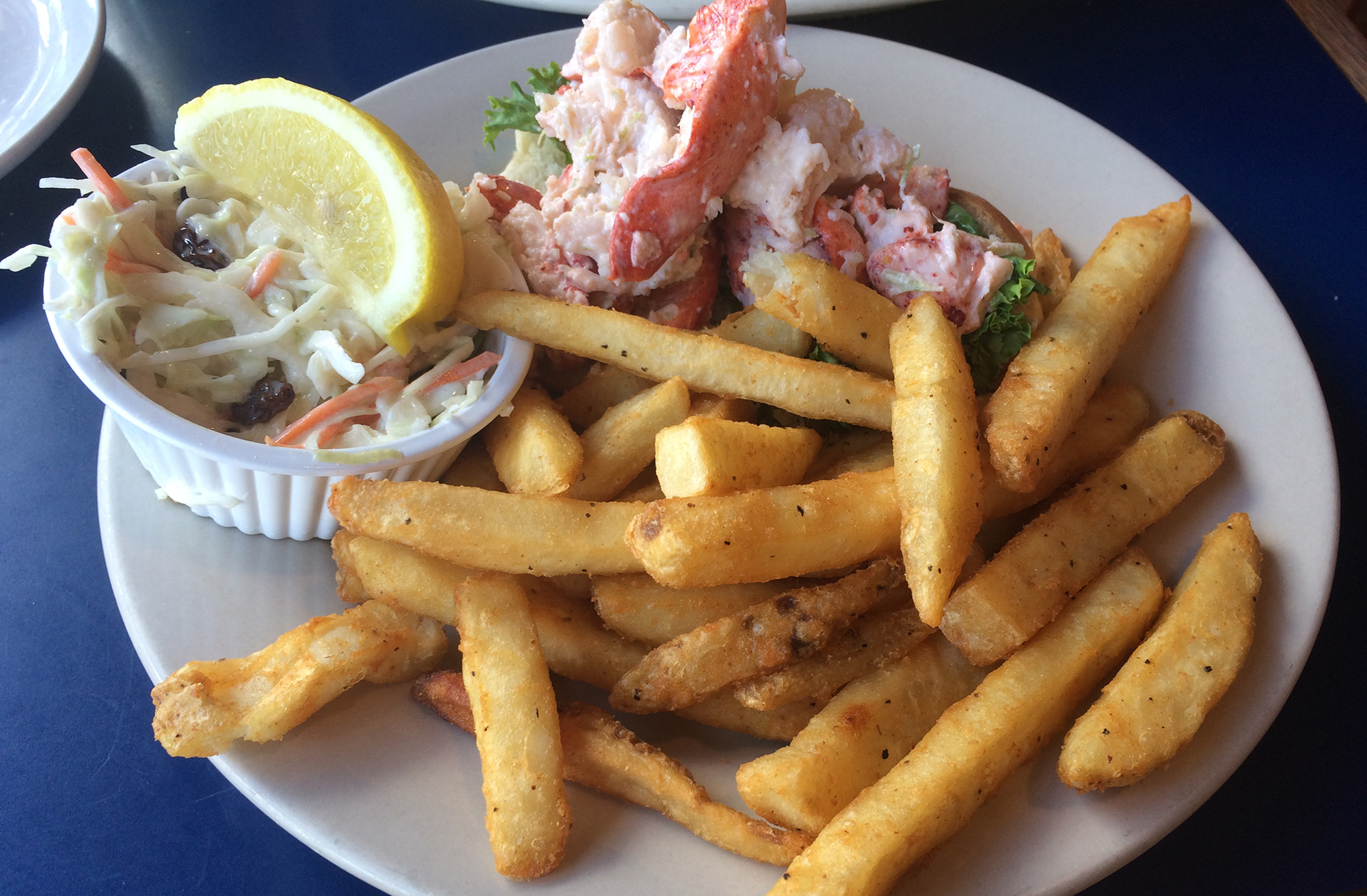 BostonSailLoft LobsterRoll.jpg