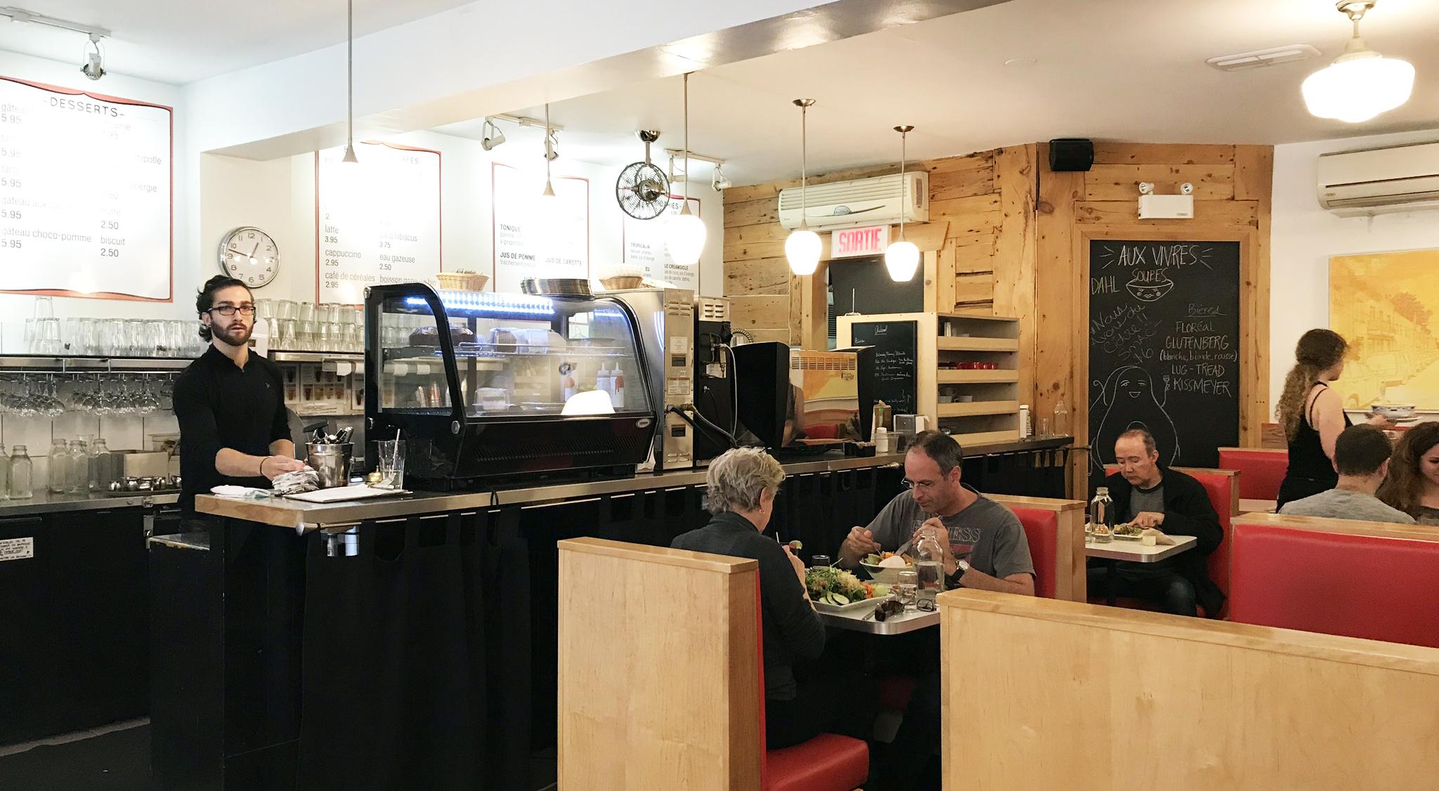Aux Vivres - Diner Interior Simple