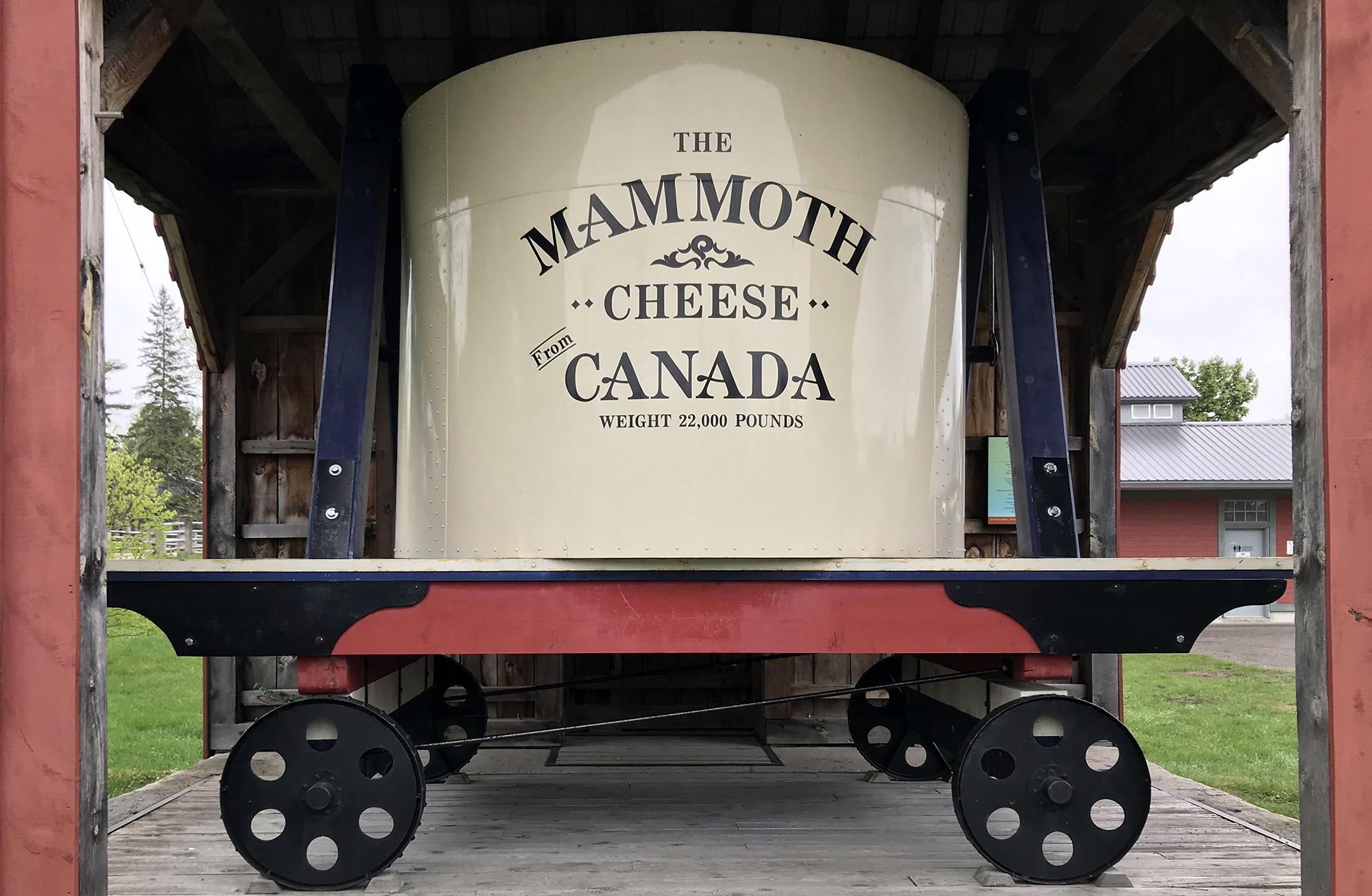 Perth Ontario - Cheese Mammoth - World Fair