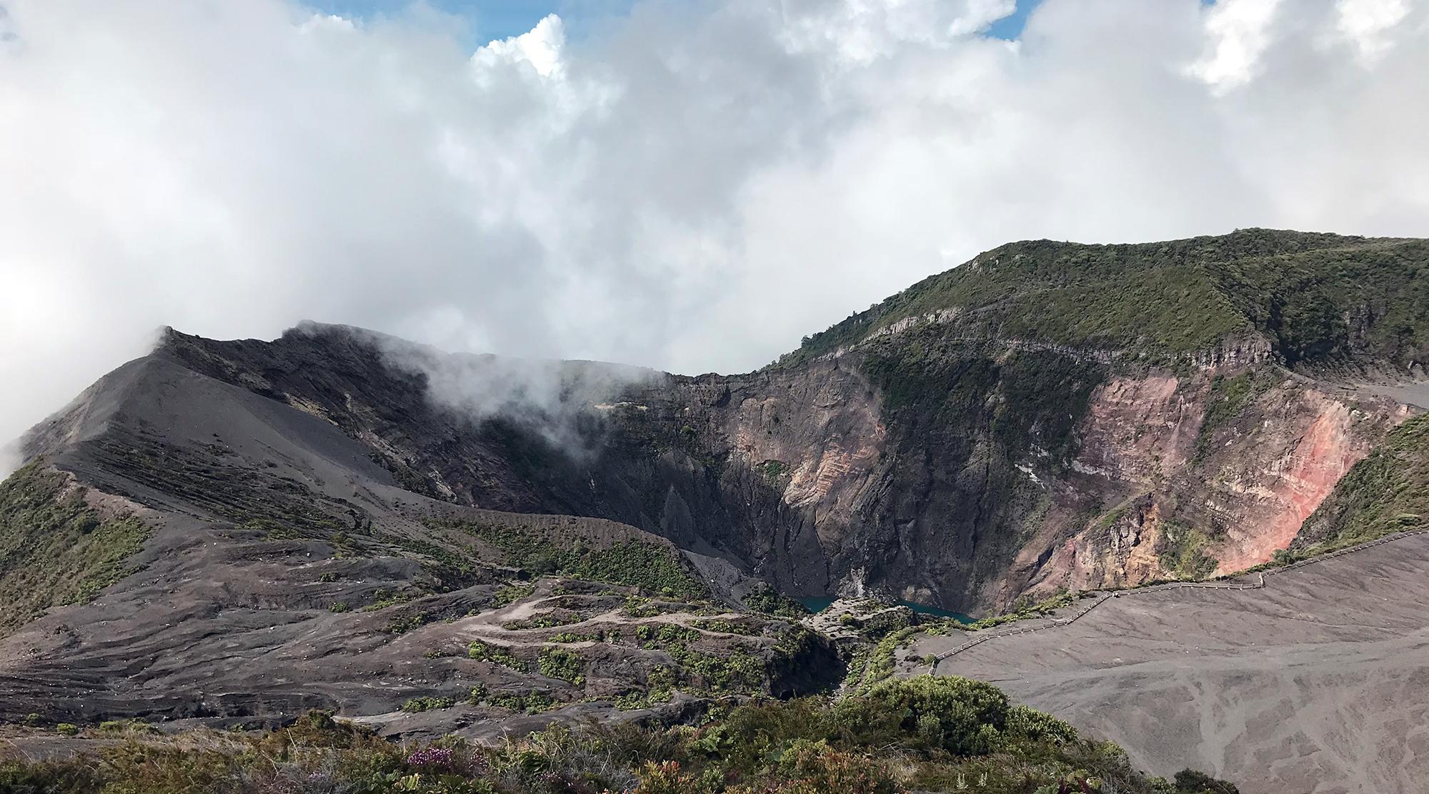 Irazu Peak.jpg
