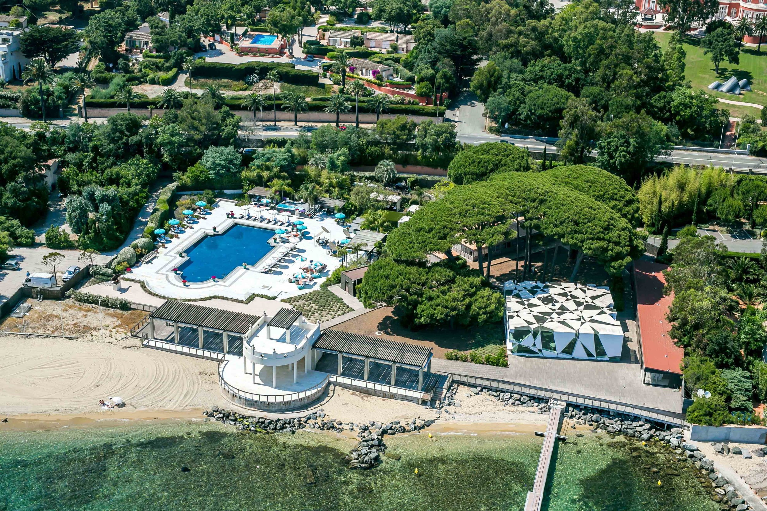 Le Beauvallon Beach Club Aerial.jpg