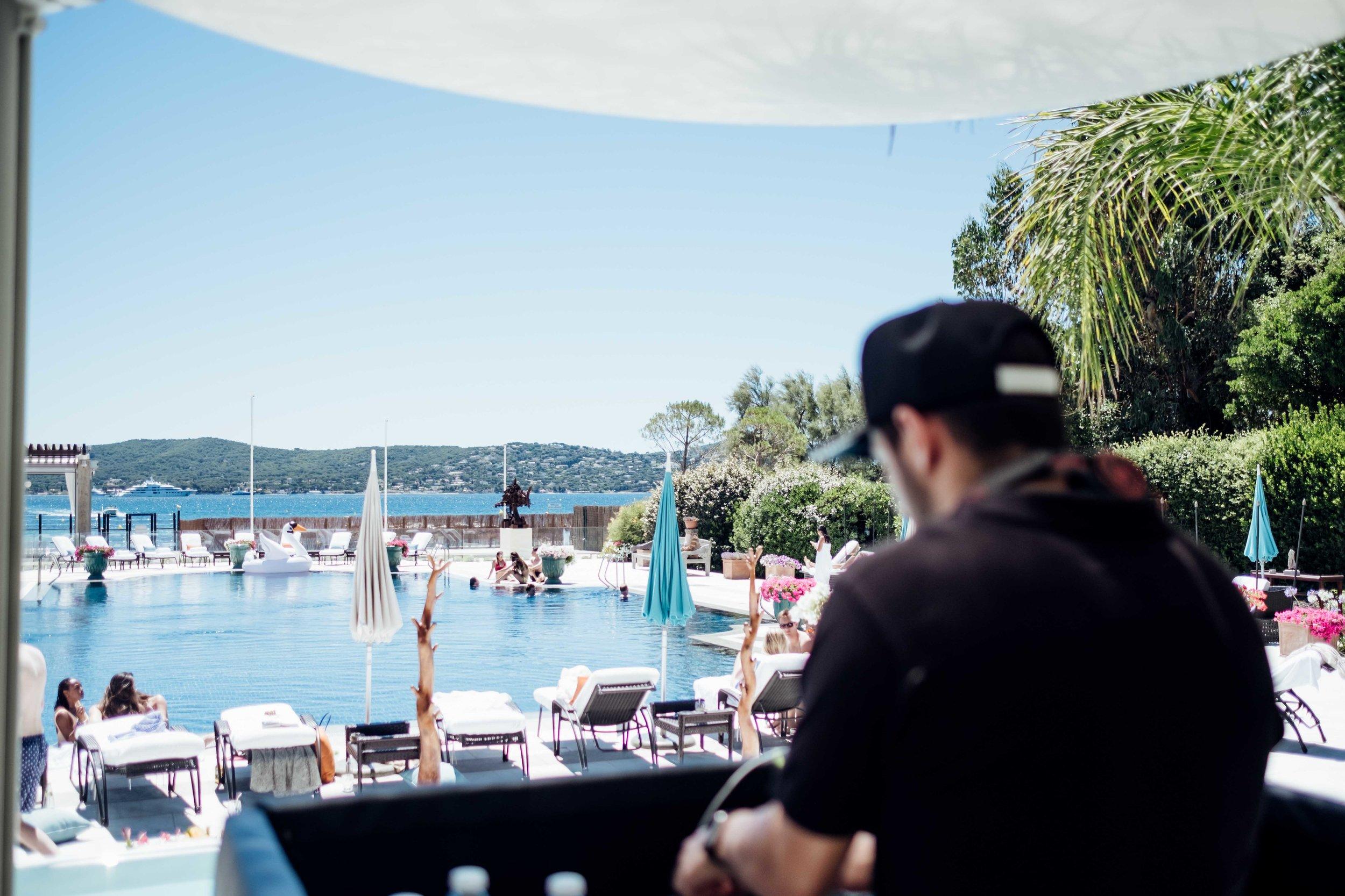 Le Beauvallon Beach DJ.jpg