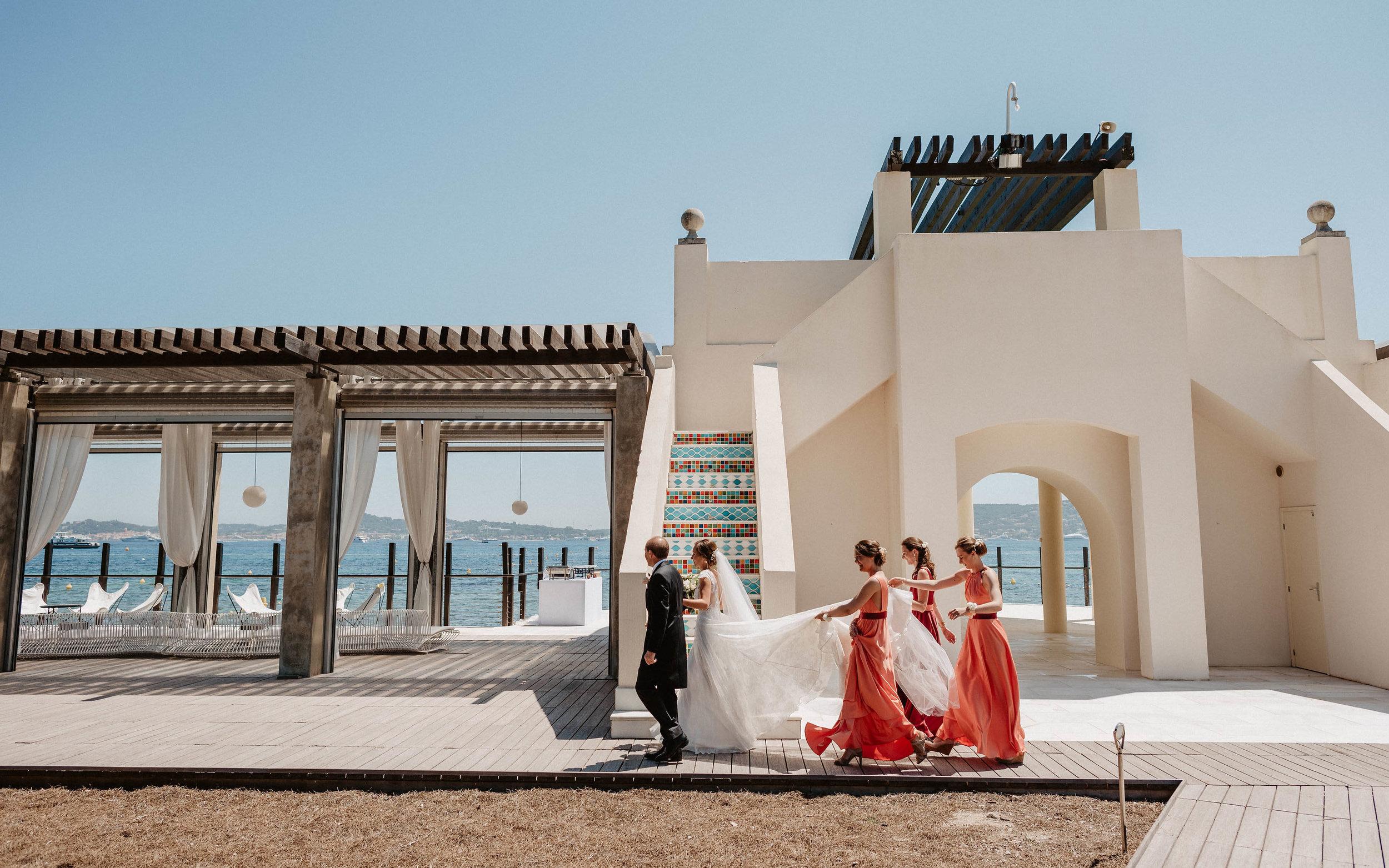 Le Beauvallon Bride Leaving.jpg