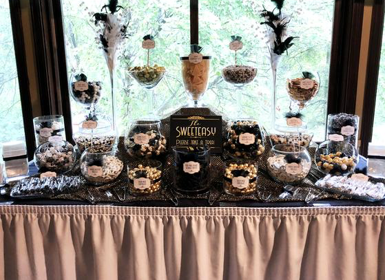who wouldn't love a sweet stand at their wedding!