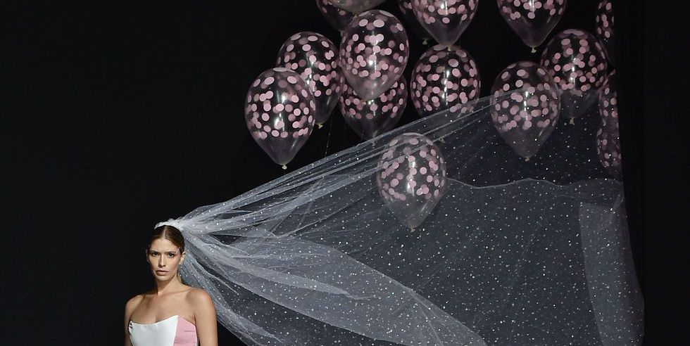 veil with balloons.jpg