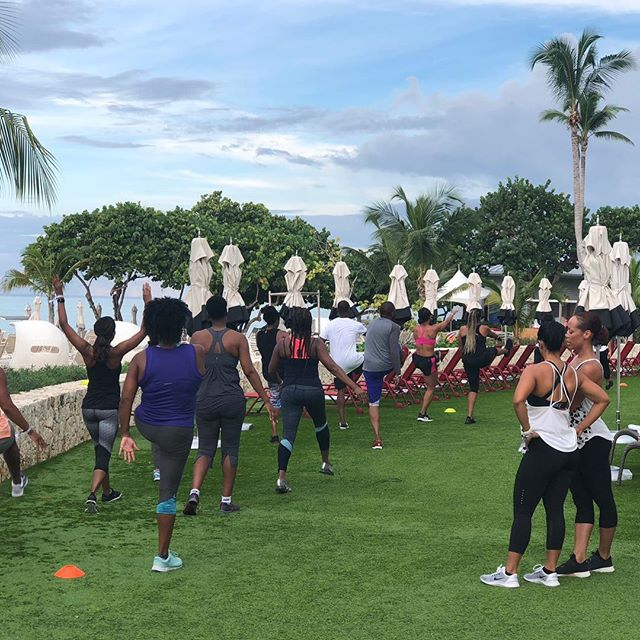 Bootcamped in paradise! We came. We saw. We worked. ⠀⠀⠀ ⠀⠀⠀⠀⠀⠀⠀⠀⠀⠀⠀⠀ ⠀⠀⠀⠀⠀ ⠀⠀⠀⠀⠀⠀⠀⠀⠀⠀⠀⠀⠀⠀⠀⠀ Thanks @annualtakeover for having VINOfit host workouts in paradise and a very special thanks to the crew @aboogie08 @onederful03 @a_m_jones @lainvestor for this special bootcamp collaboration. #AnnualTakeover #TheTakeoverXI #GrandVaCAY