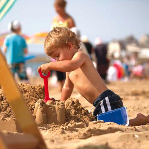 making-sand-castles-500x500.jpg
