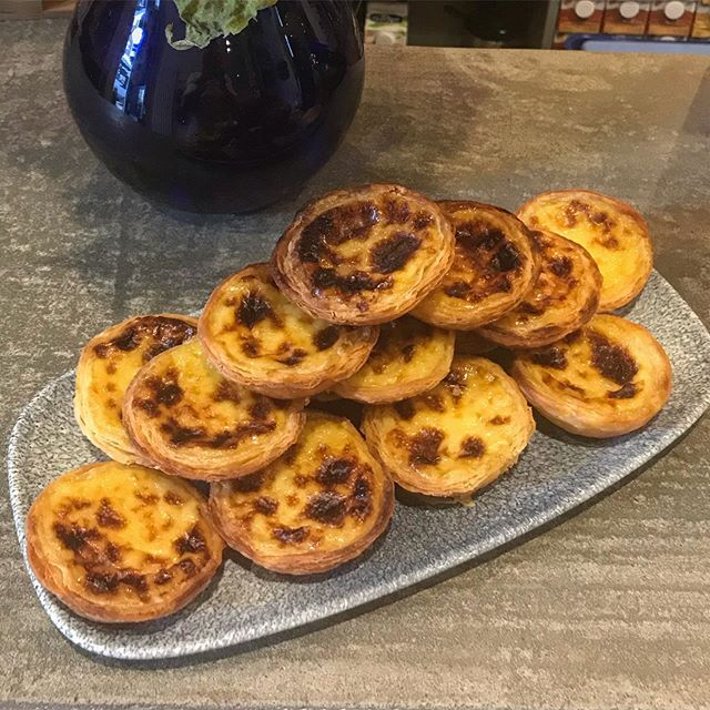 On our counter today, Pastéis de Nata! These famous Portuguese Custard Tarts, totally made from scratch by our Chef @lialemonandvanilla , will not last long so! Hurry up if you want to try them.