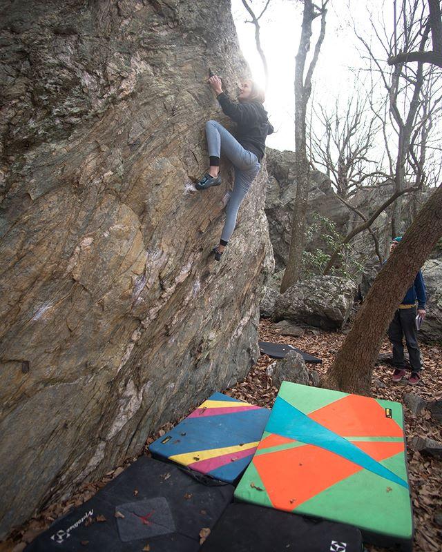 Congrats @carsonoel for sending Misanthrope! . . . . .  #climbing #climb #rockclimbing #bouldering #girlswhoclimb #climbinggirls #mountaingirls #mooreswallbouldering #mooreswall #nc #climbnc
