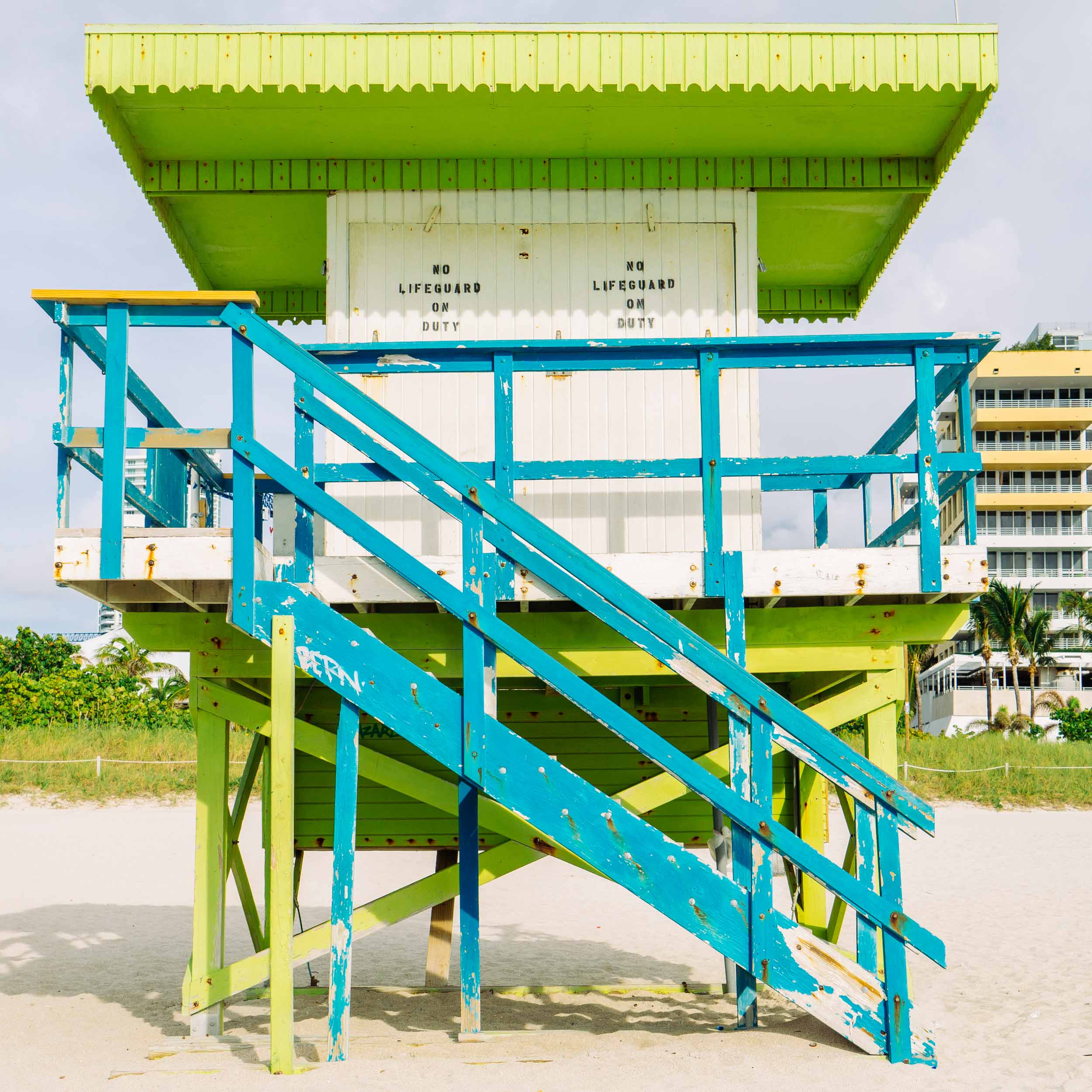 1st St. Miami Lifeguard Stand - Front View