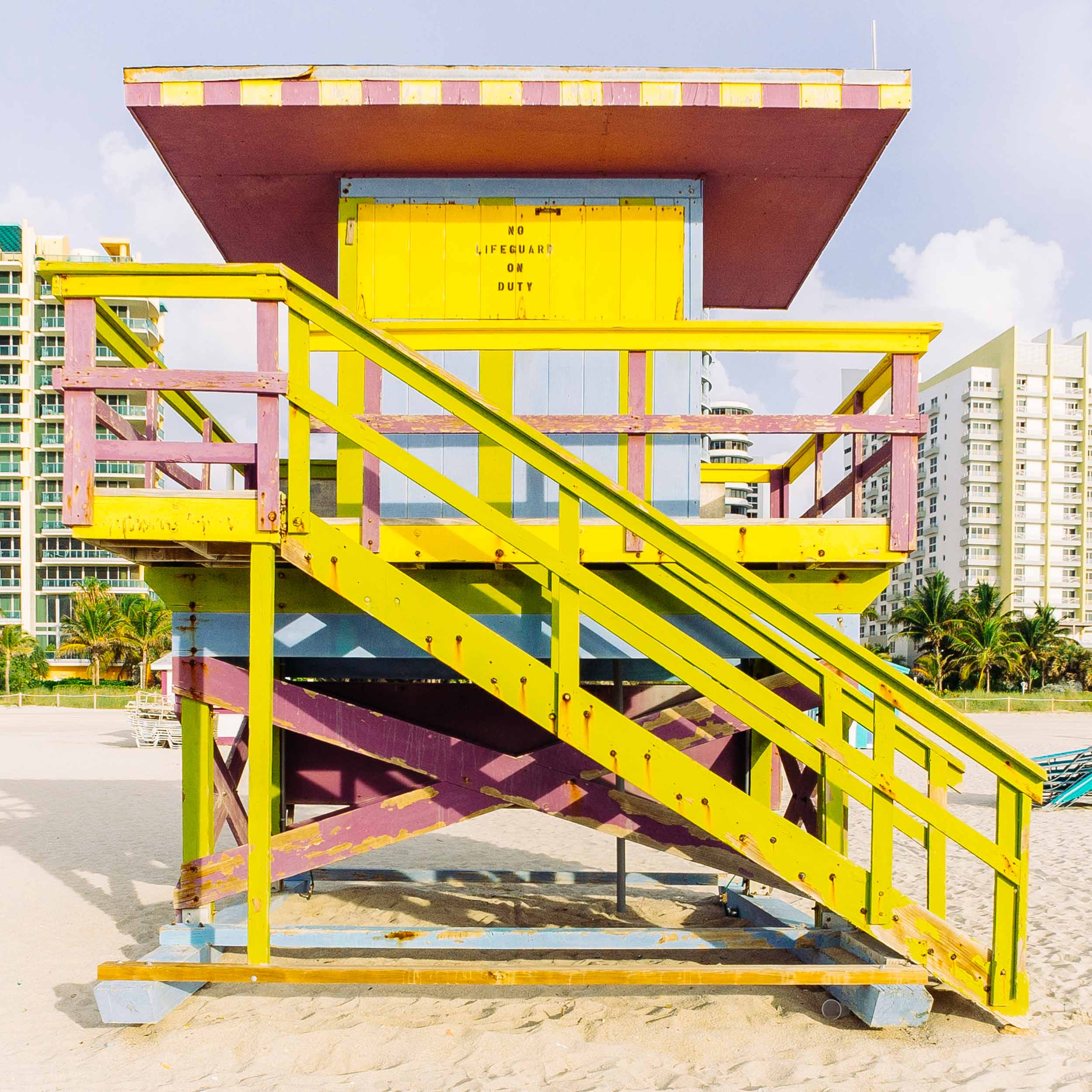 15th St. Miami Lifeguard Stand - Front View
