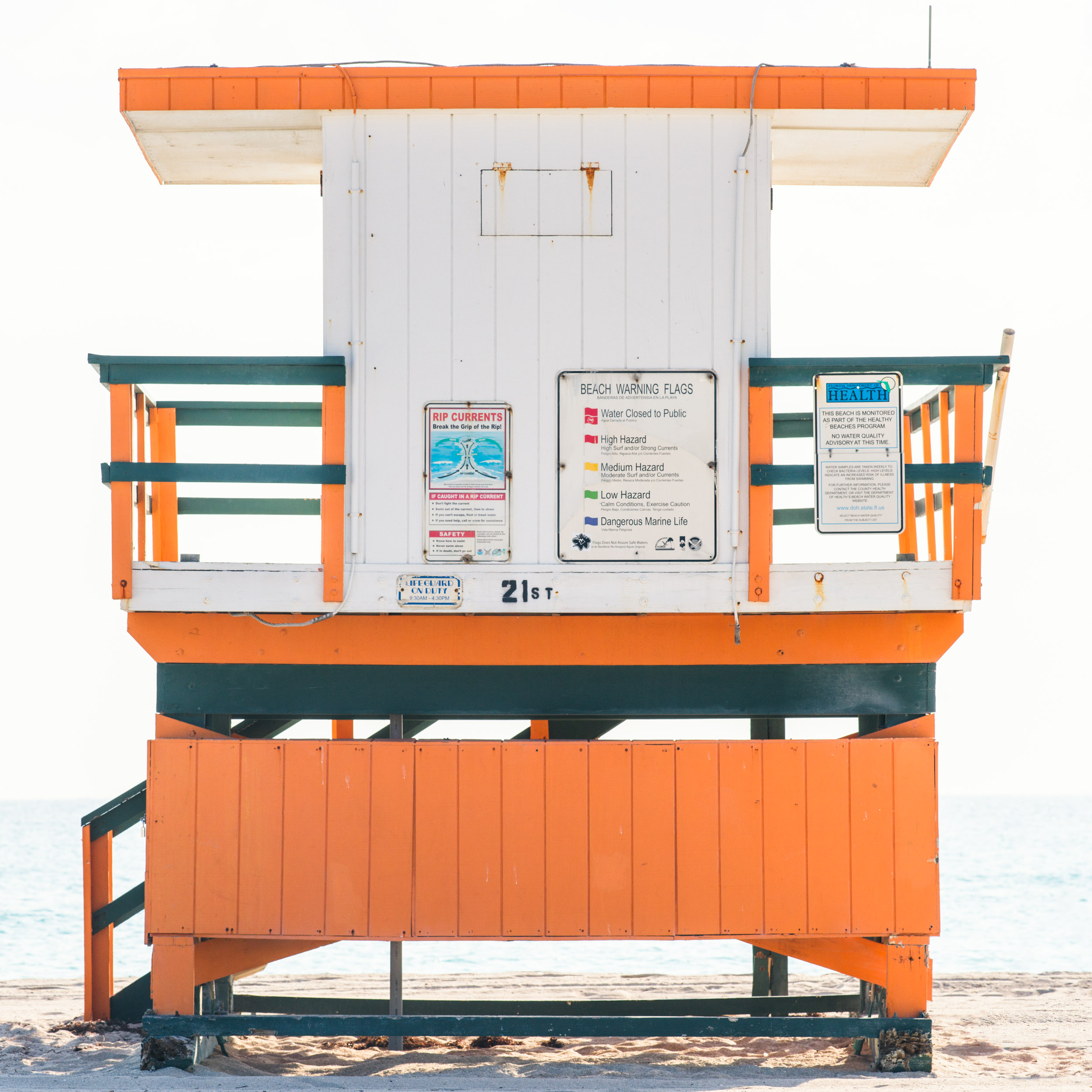 21st St. Miami Lifeguard Stand - Rear View