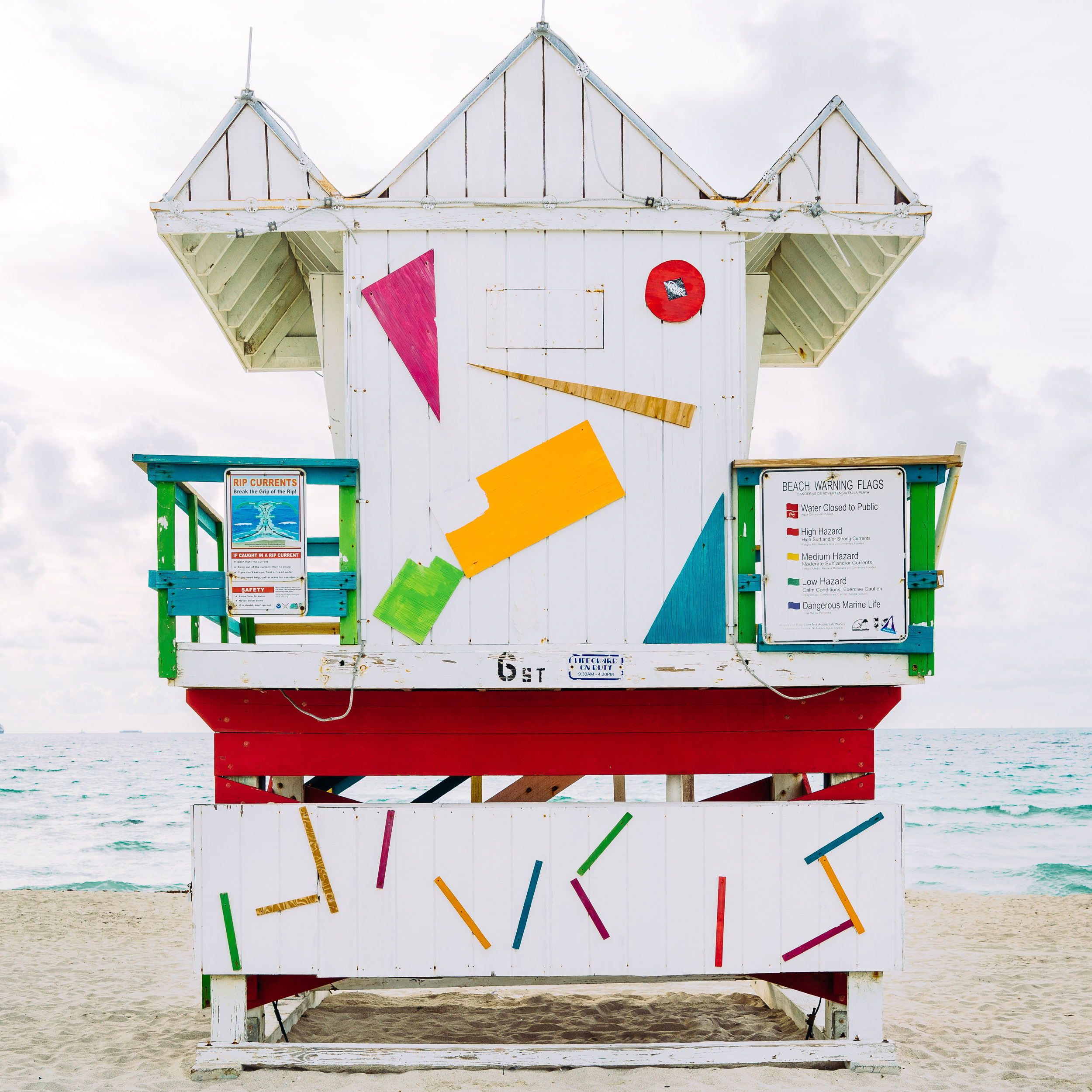 6th Miami Lifeguard Stand Rear View (Previous)