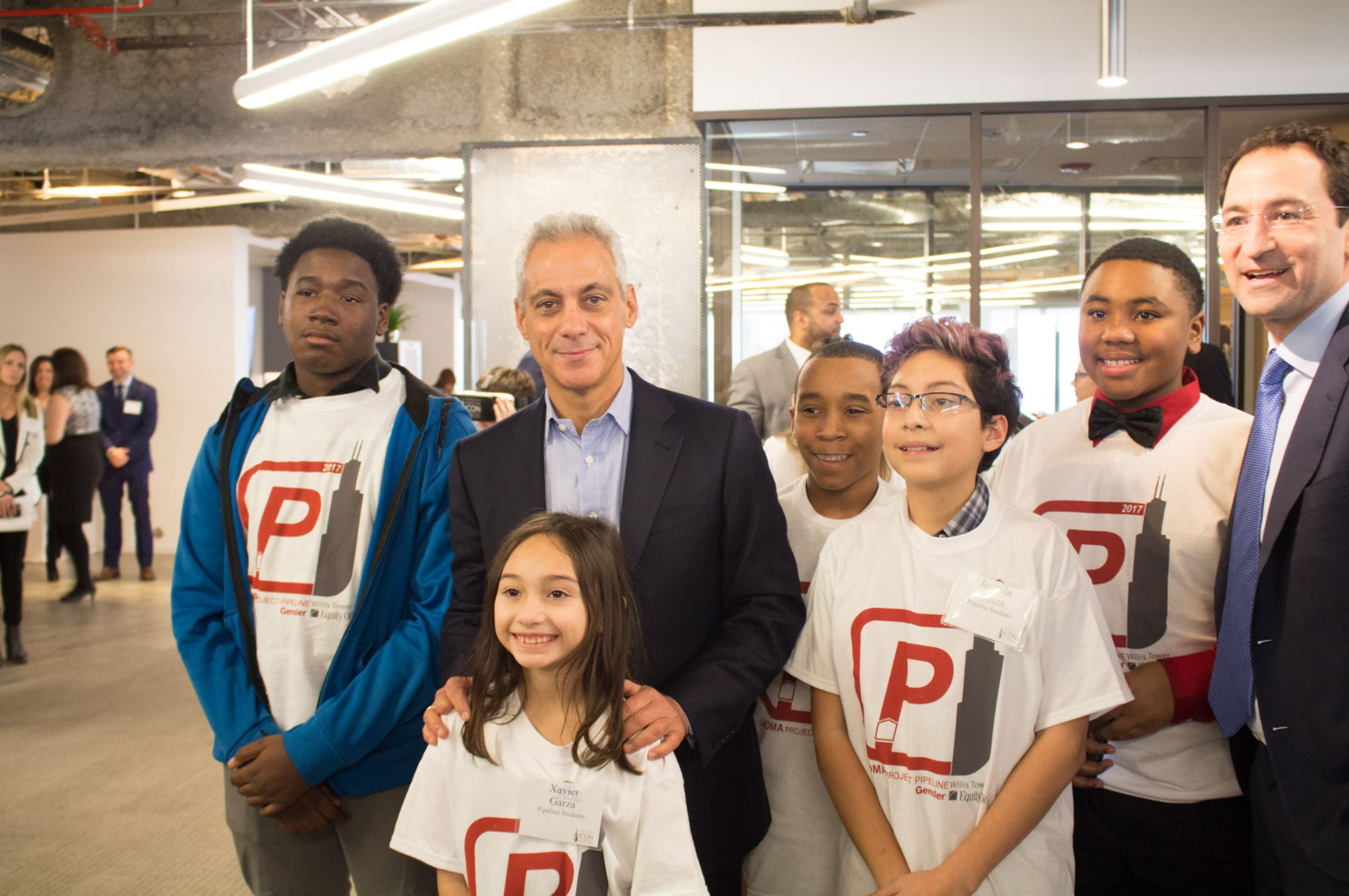 2017 - [Chicago Mayor Rahm Emanuel with Project Pipeline students] Equity Office & Blackstone Willis Tour Event