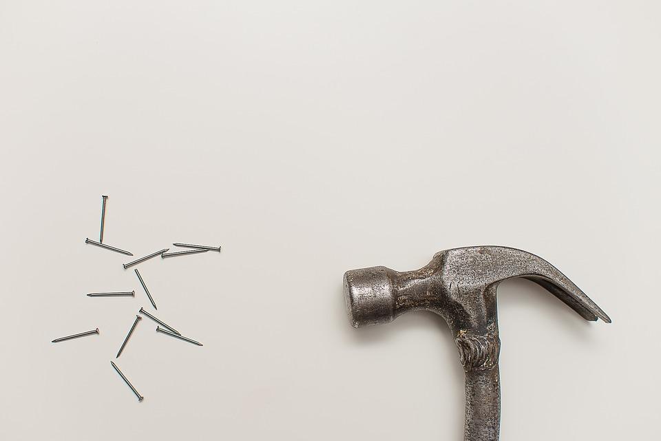 Le-handyman-hammer.jpg