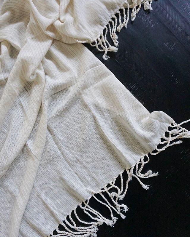 In love with this cotton fouta towel from Tunisia! So soft and such an easy gift! 💛