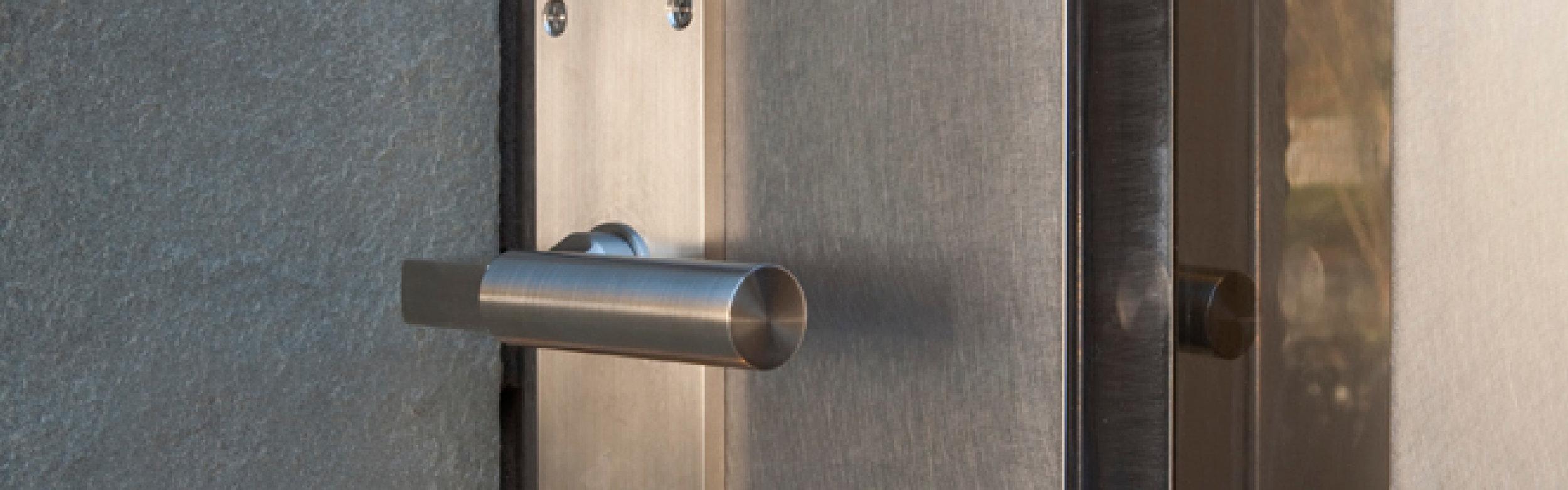 STONE DOOR -