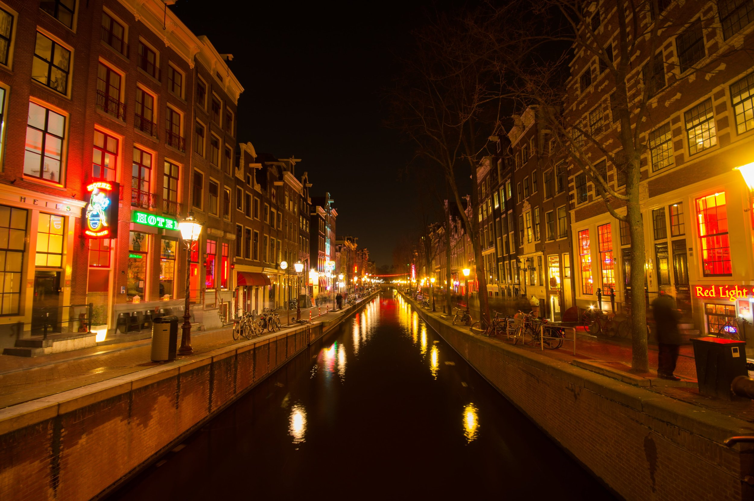 amsterdam night canals red light