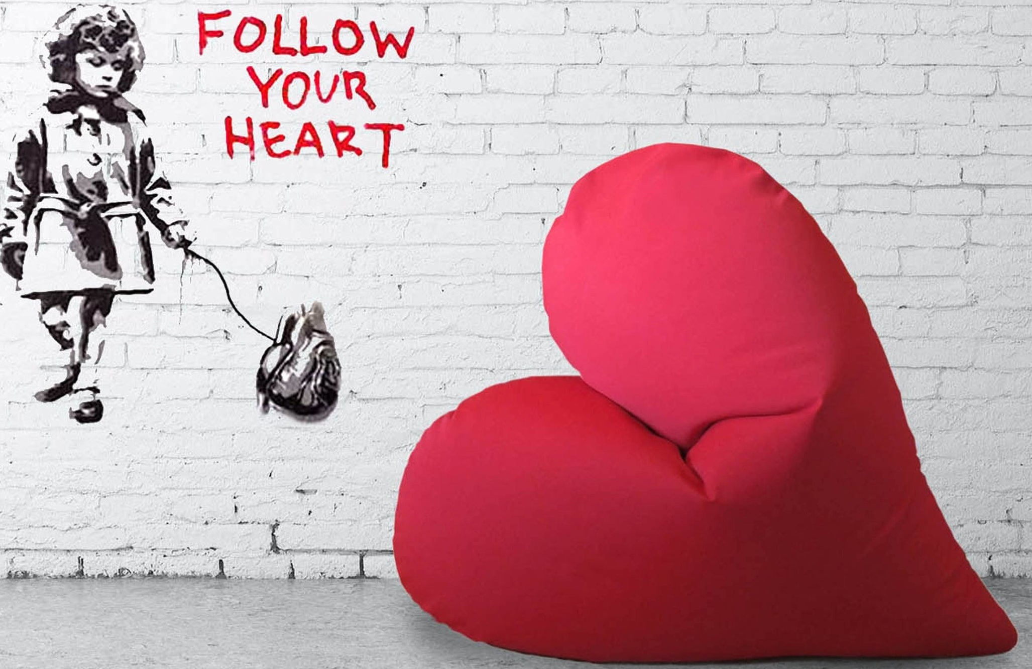 Popheart-Heart-shaped-Pouf-1.jpg