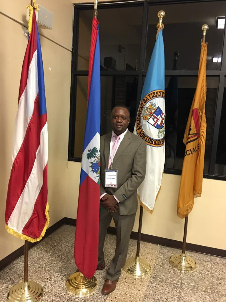 Dr Jacques at catholic MBA school,Ponce,PR.jpg