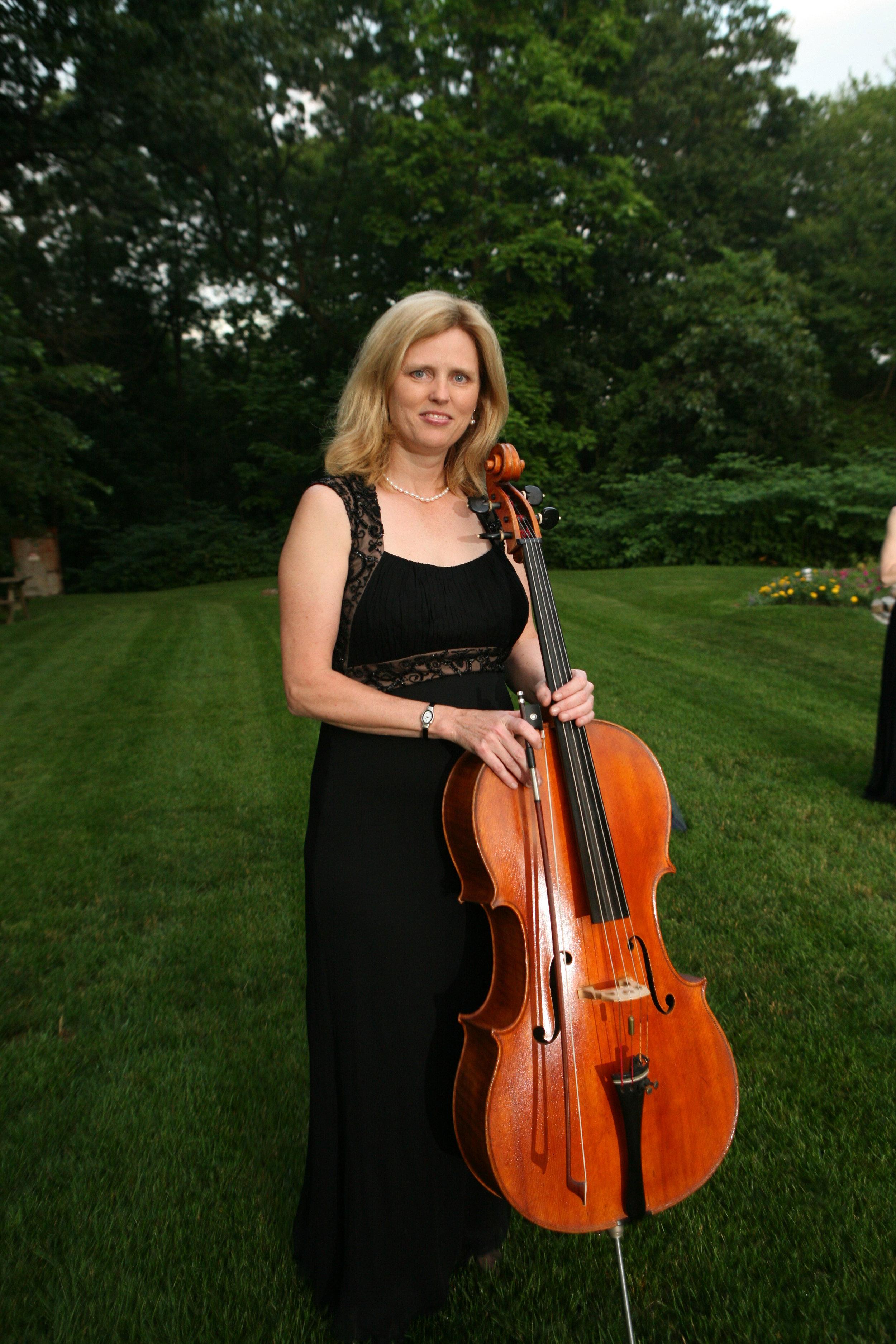 Kathy Schiano, cellist