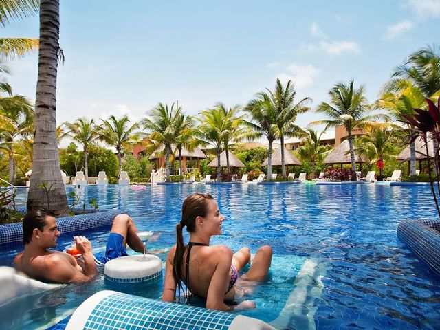 Generaitons Resorts Cancun.jpg