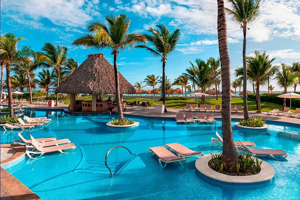 Hard-Rock-Punta-Cana-Swim-Up-Bar.jpg