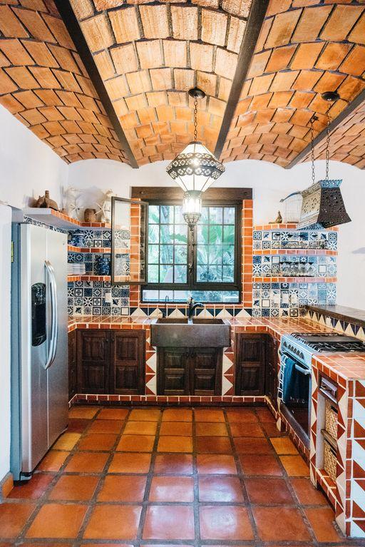 casa coati kitchen.jpg