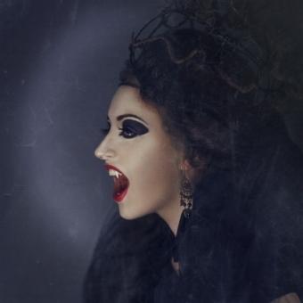 vampire-539684_1920.jpg