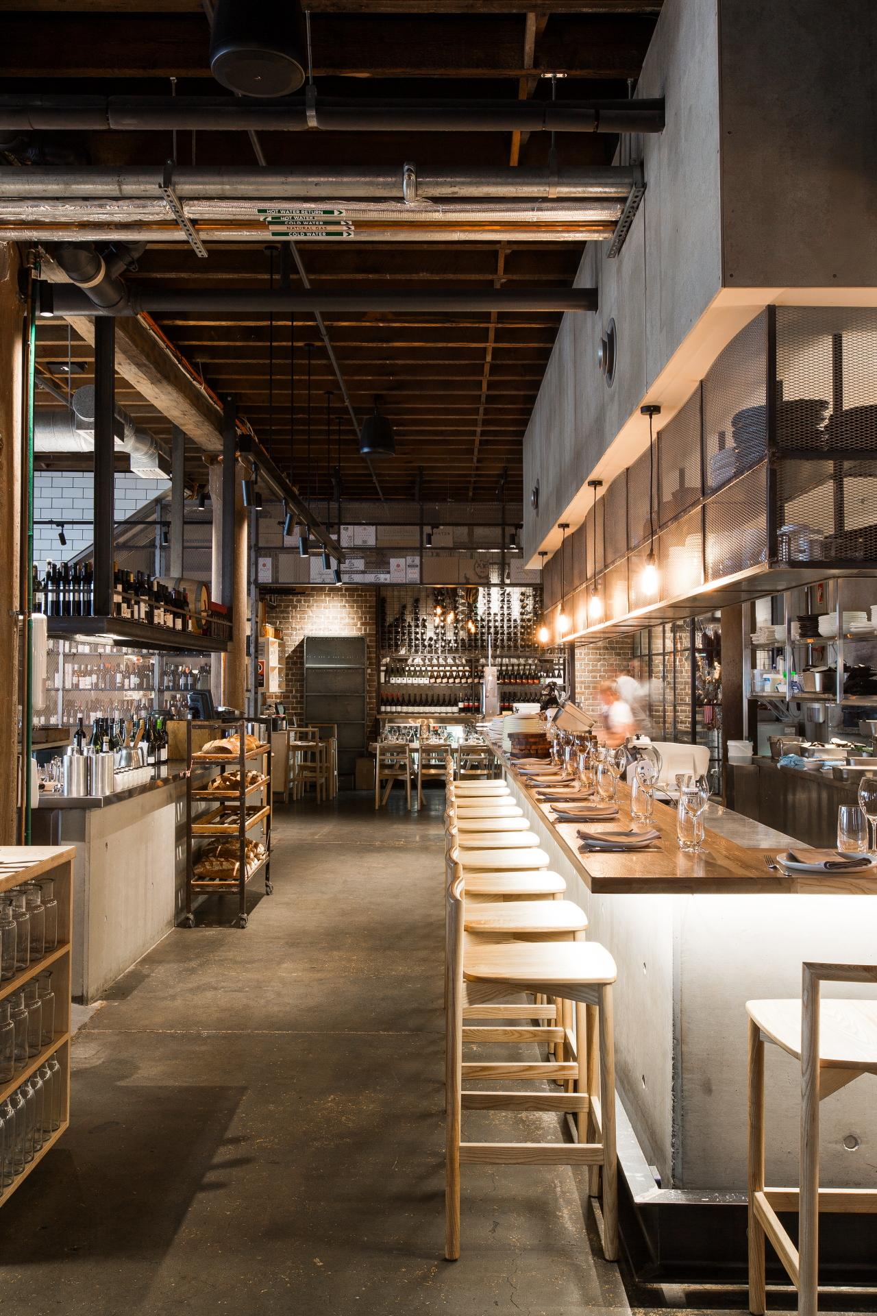 14_04_NickyRyan_bar & kitchen.JPG