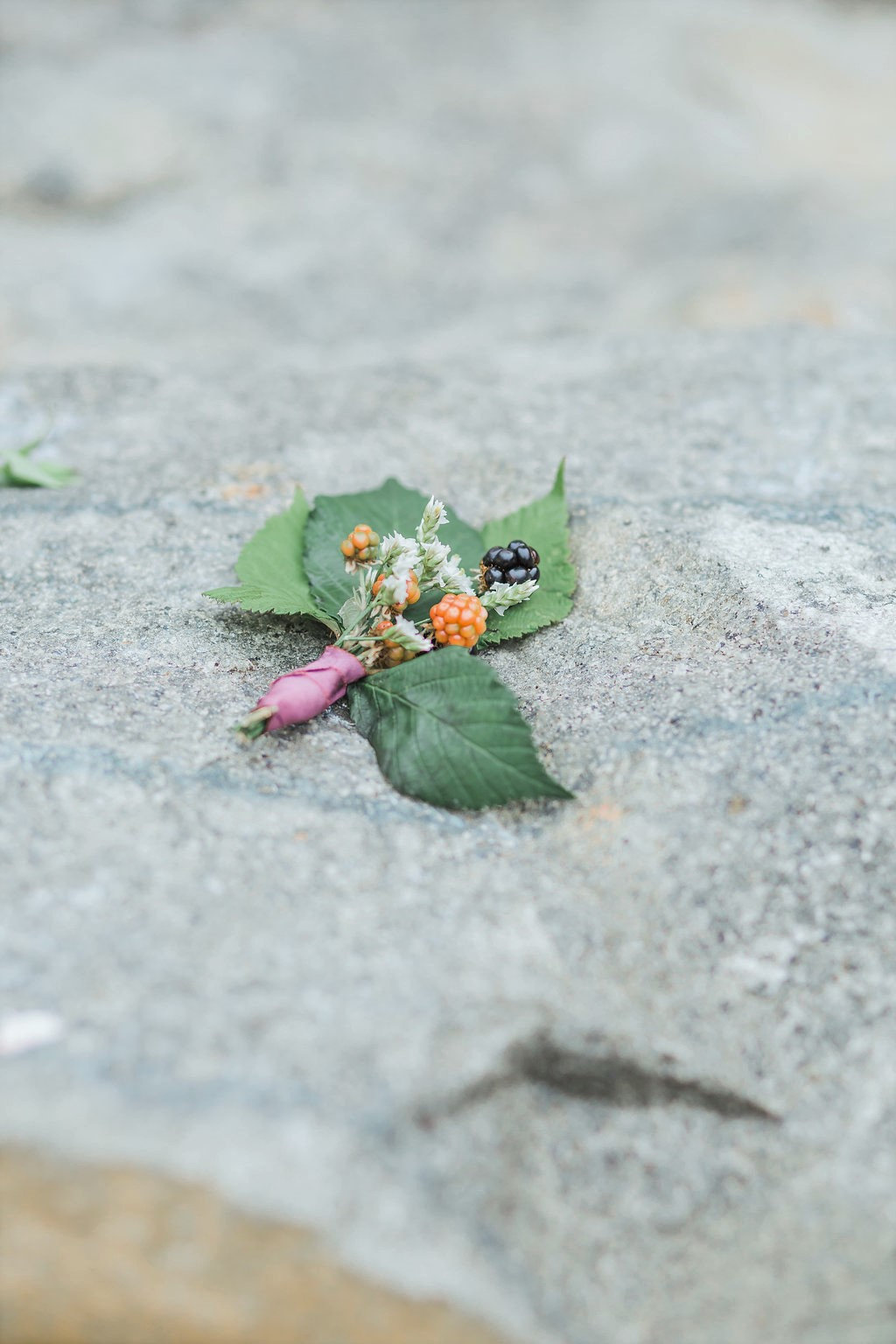 fall-boutonnieres-for-grooms