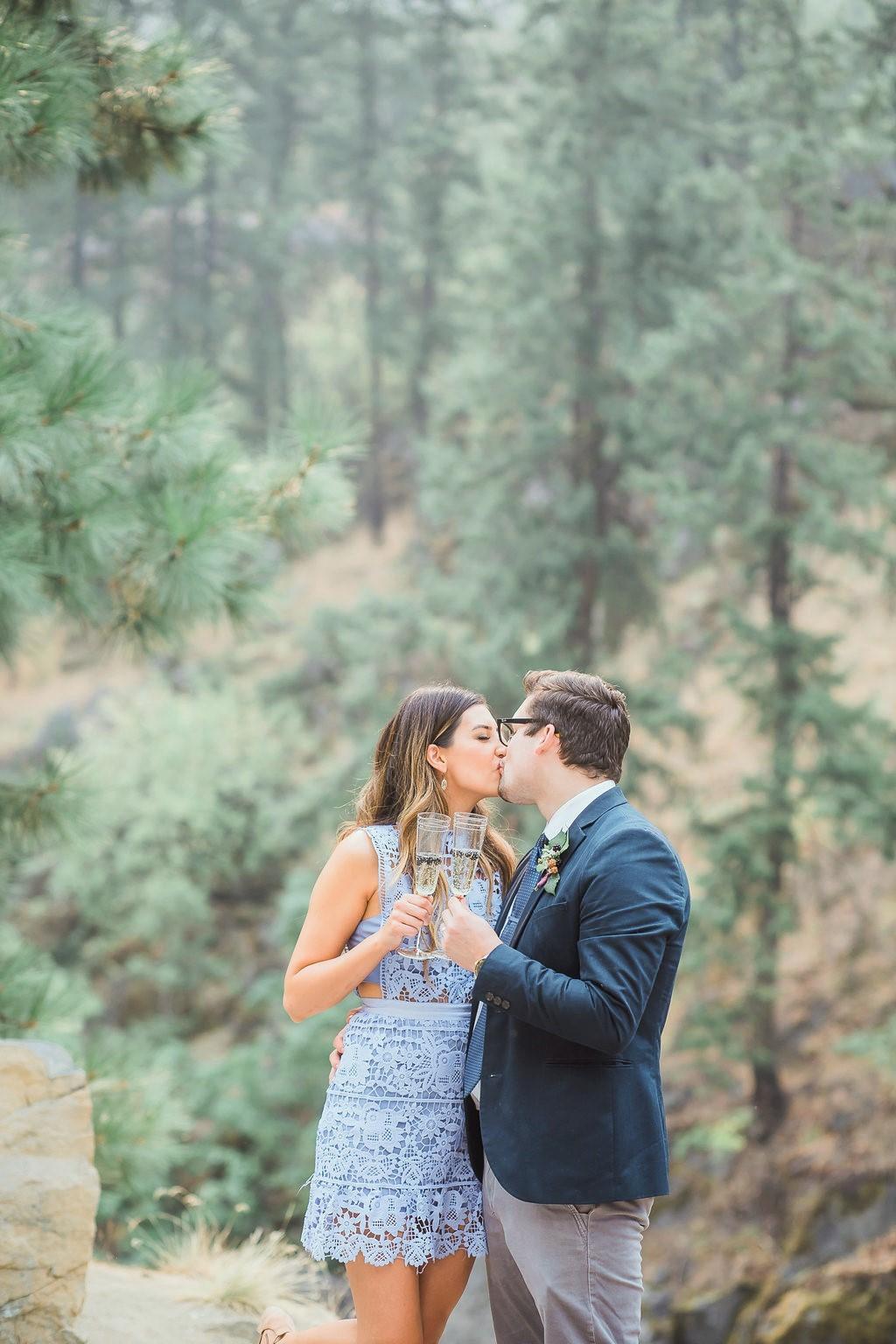outdoor-wedding-elopement