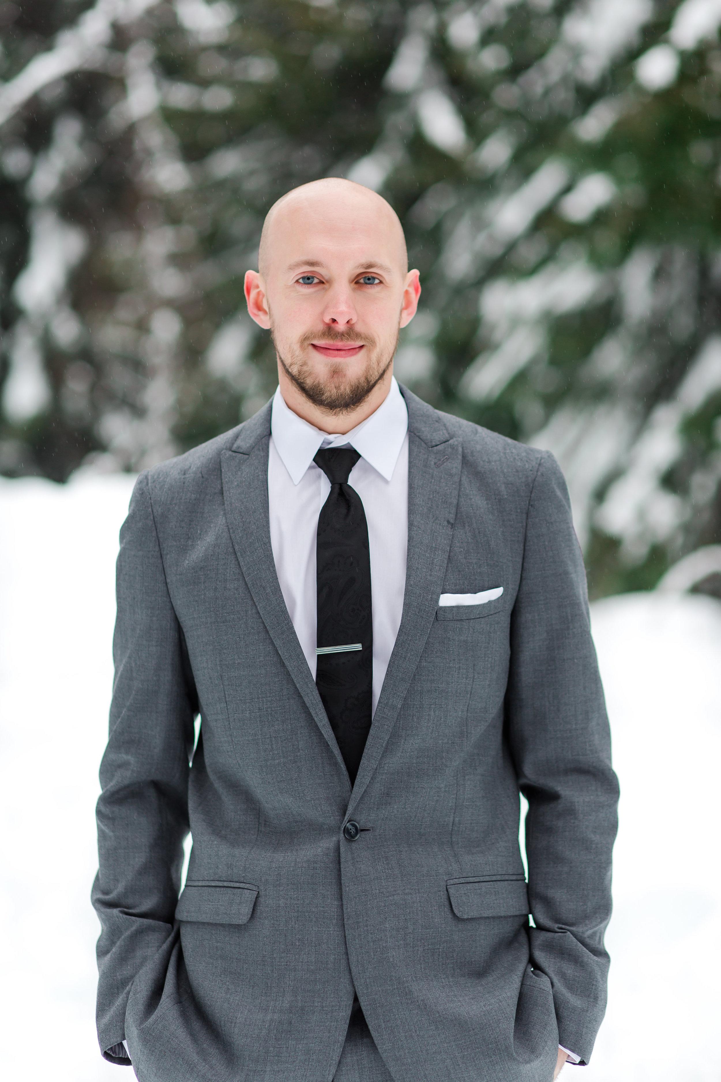winter-wedding-groom-attire