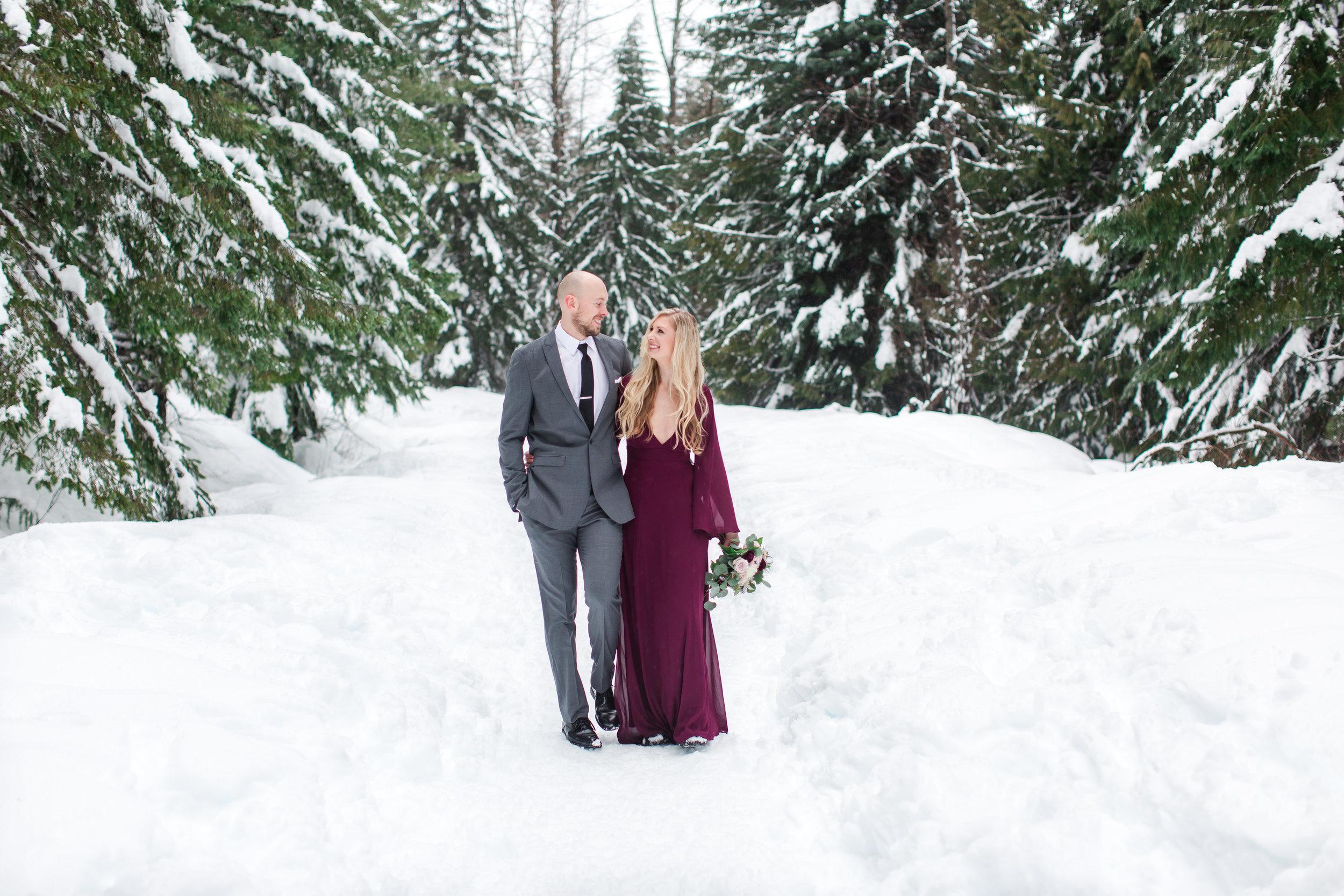 snow-engagement-photos