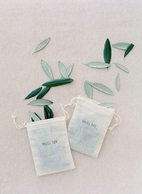 leaf confetti wedding
