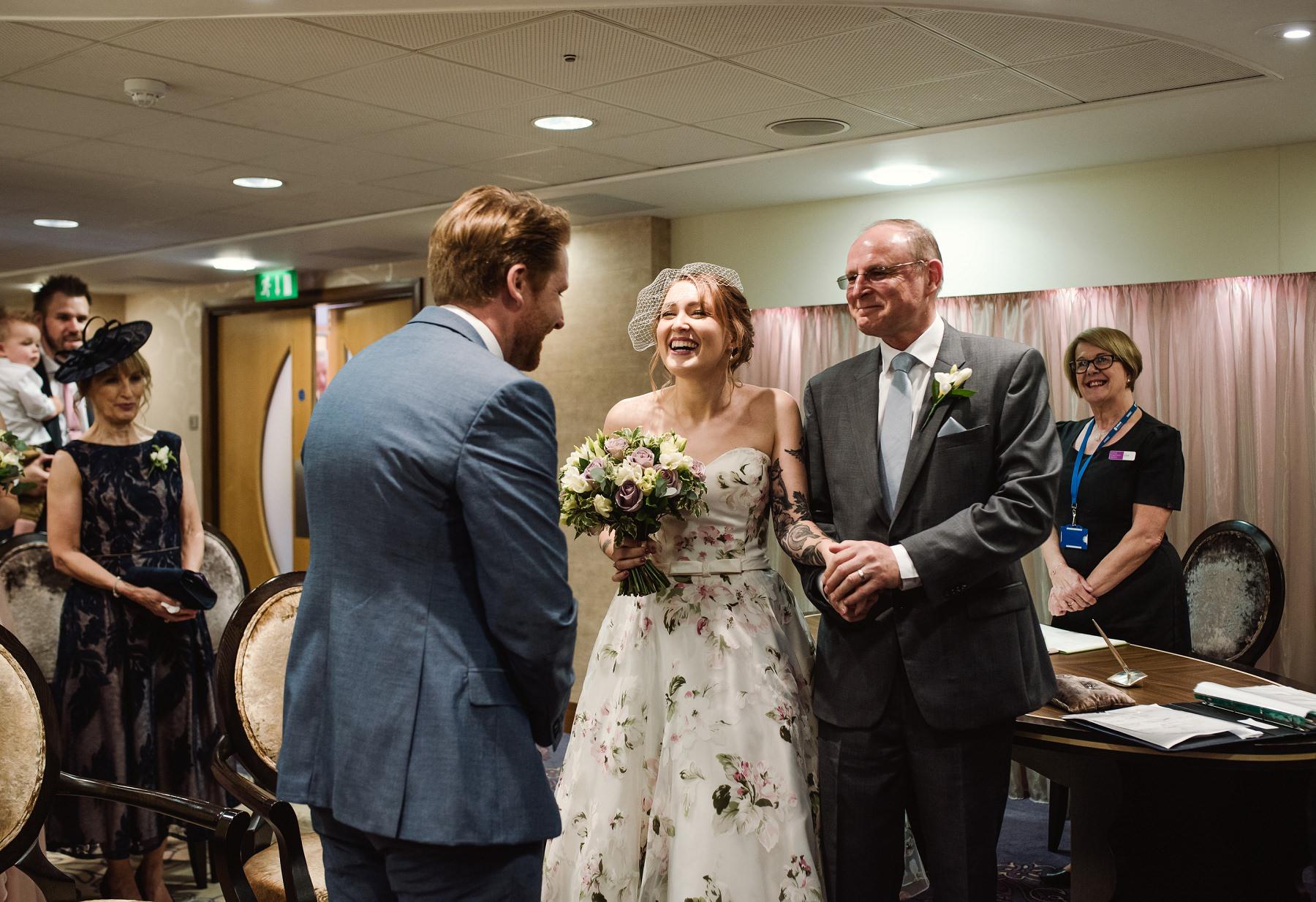 danny_alex_wedding_tease_0028.jpg