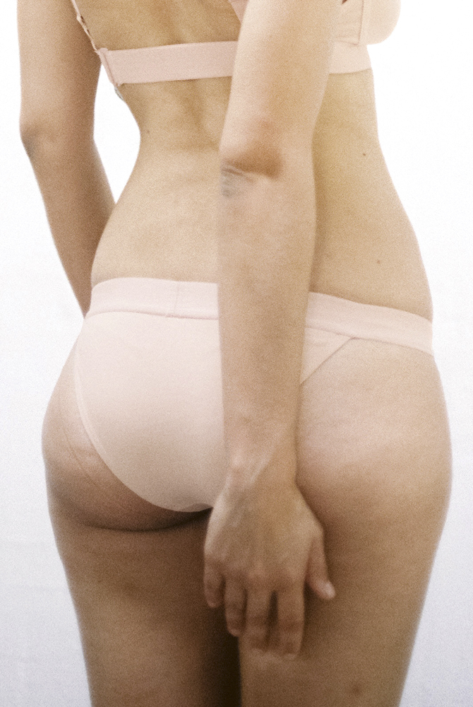 Braguita-triangulo-nude.jpg