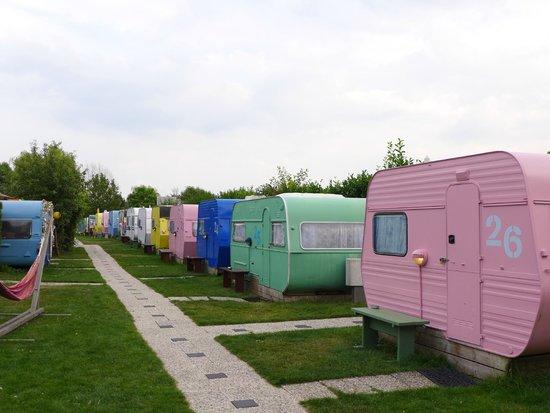 lucky-lake-hostel.jpg